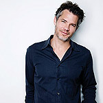 0412_timothyolyphant_feeds