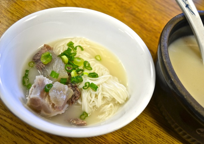 korean-beef-bone-soup-seolleongtang-evergreen-van-nuys
