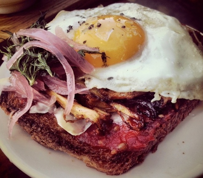 sqirl-toast-coffee-fried-egg-silver-lake