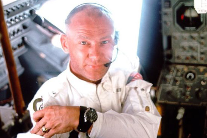 buzz-aldrin-moonwatch-space-watch1_MqWf8_1333