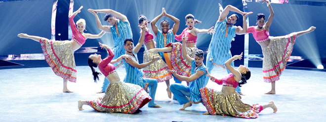 top12_dance_performance_carousel-1400x525
