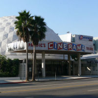 Hollywood_Cinerama_Dome200