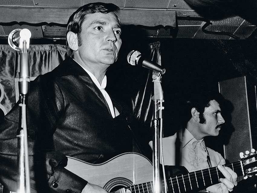 A beardless and braidless Willie Nelson onstage in 1970