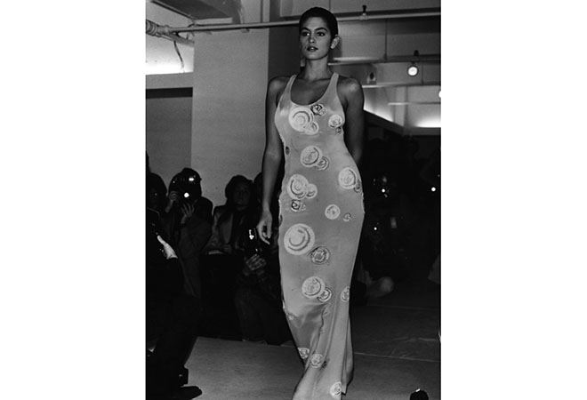 Cindy Crawford 1988 Original Caption Fashion Parade Attended By Many Designers And Photographers