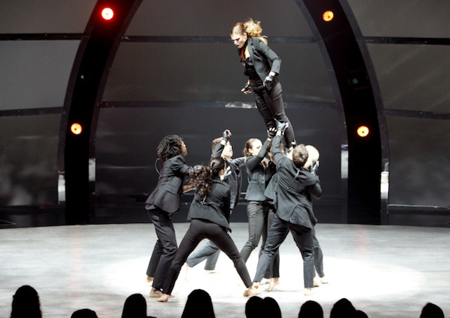 SYTYCD-11x9-TravisLift-640