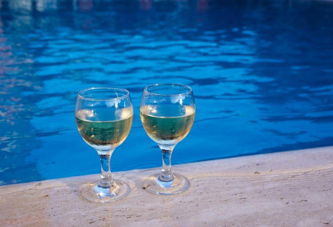 WinebyPool660