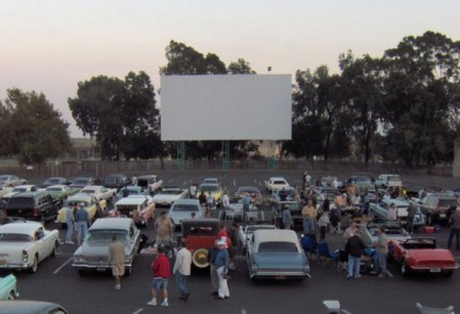a guide to las drivein movie theaters los angeles