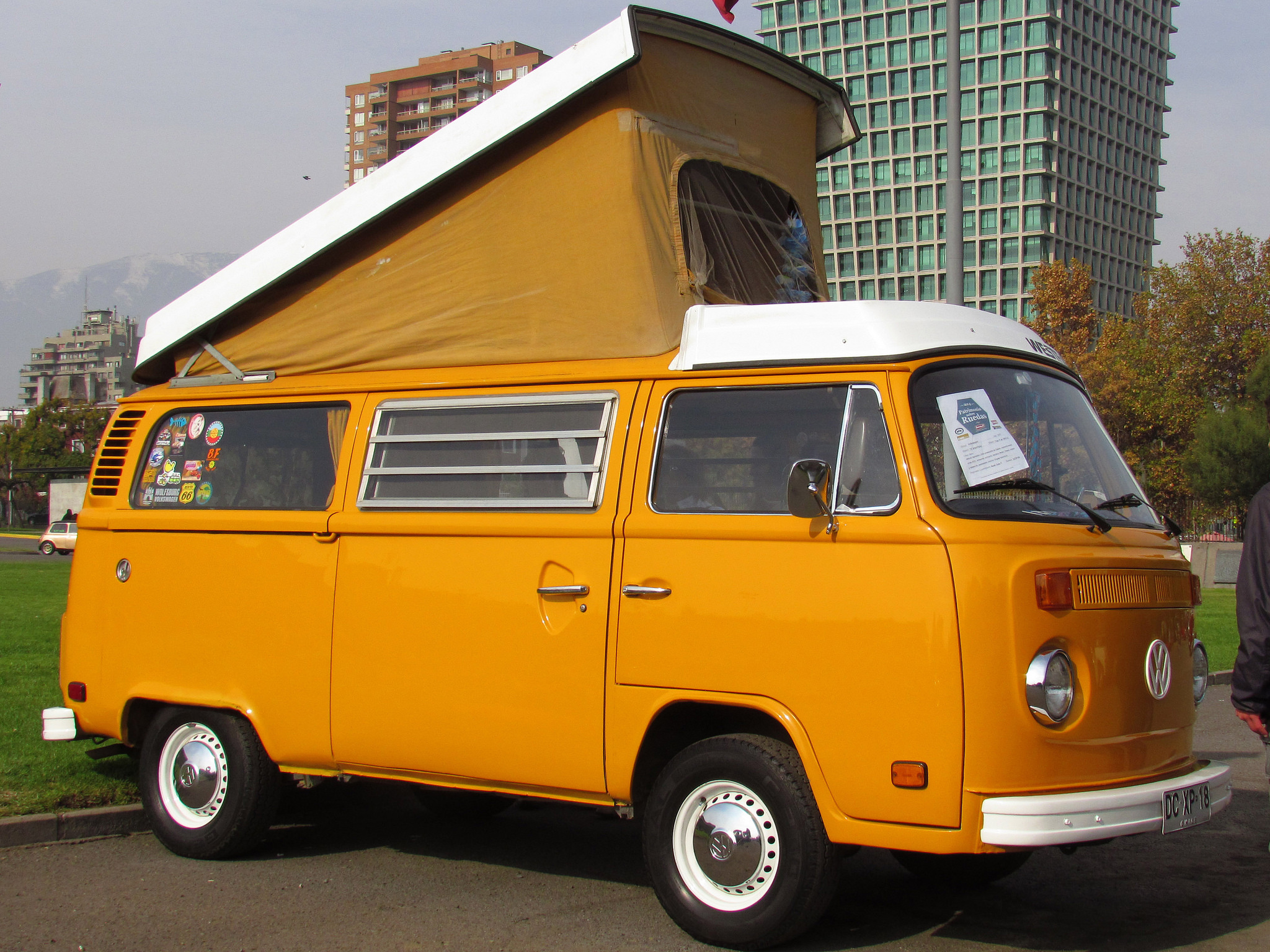 Category/vw >> A Short History of the Surf-Mobile - Los Angeles Magazine