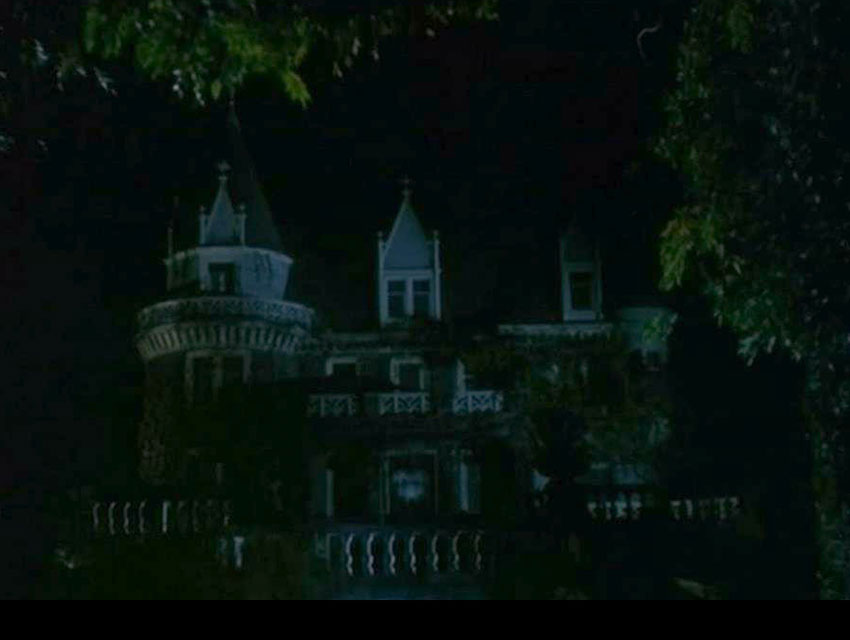 Scene it before the kimberly crest house from hell night los