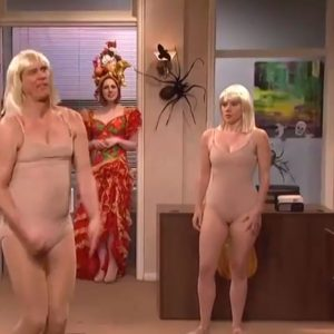 "Jim Carrey and Kate McKinnon perform Sia's ""Chandelier"" video"