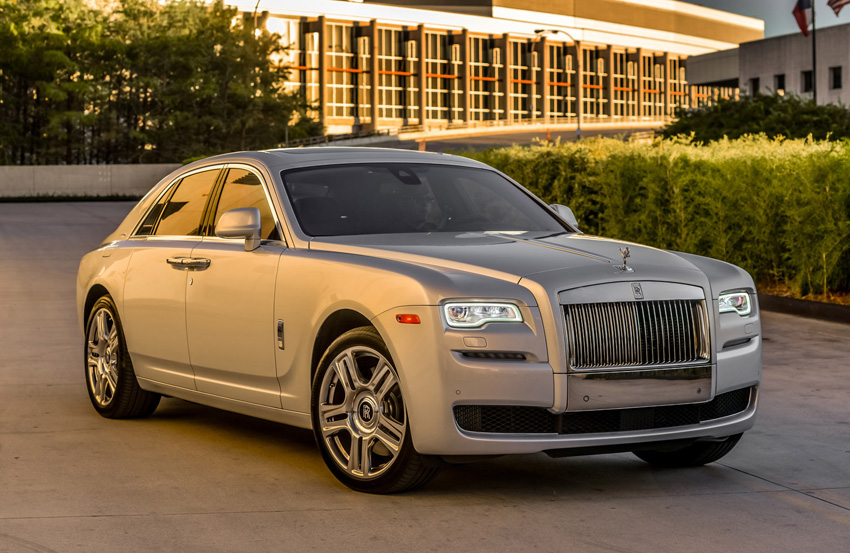 the rolls royce ghost is a stealthy six figure hot rod. Black Bedroom Furniture Sets. Home Design Ideas