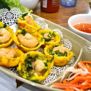 Order banh khot by the boatful.
