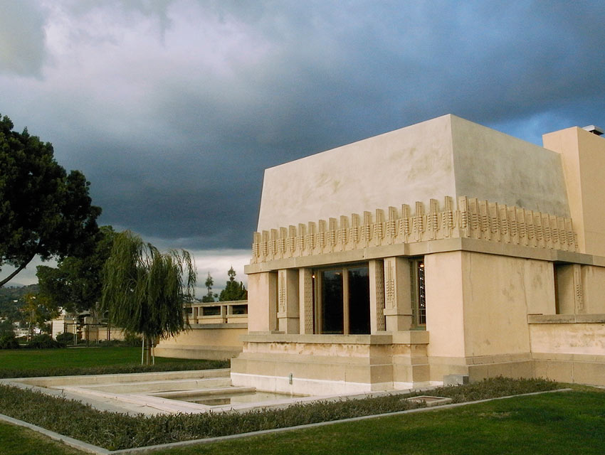 How jeffrey herr restored hollyhock house to its 1920s for Hollyhock house