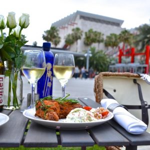 "LACMA Café's ""The Louie"" picnic spread"