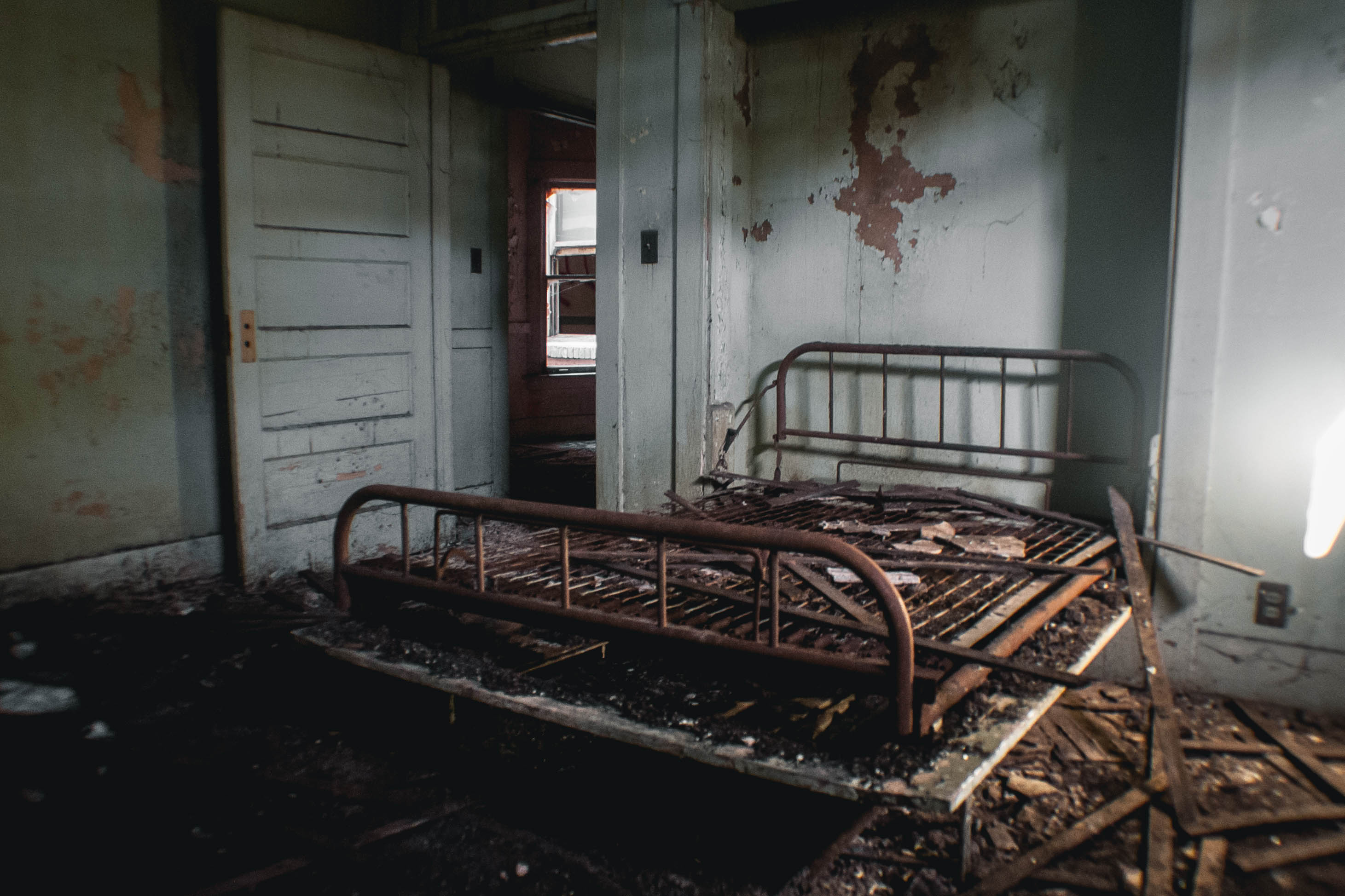Take a Look Inside Downey's Creepy Abandoned Asylum - Los Angeles ...