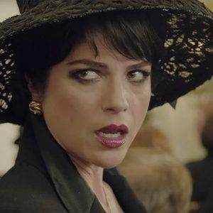 "Selma Blair as Kris Jenner in ""American Crime Story"""