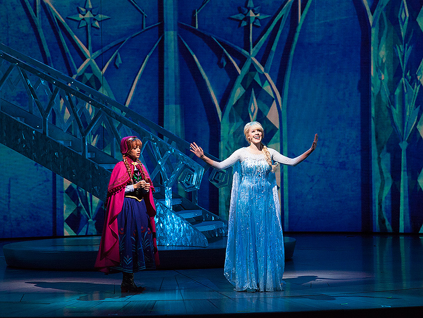 Get A Behind The Scenes Look At California Adventures New Frozen