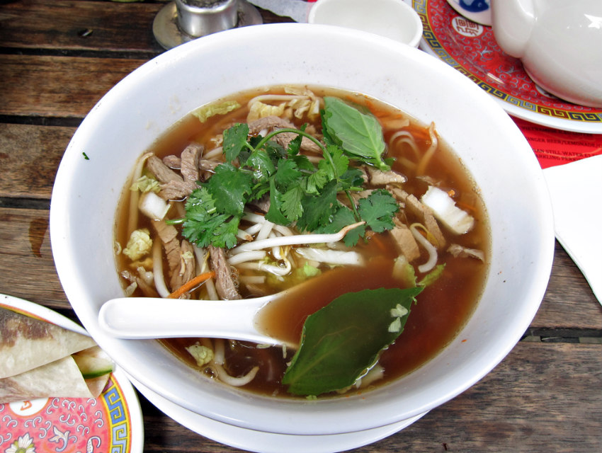 Why Eating a Giant Bowl of Pho Is a Smart Idea on a 118-Degree Day Los Angeles Magazine