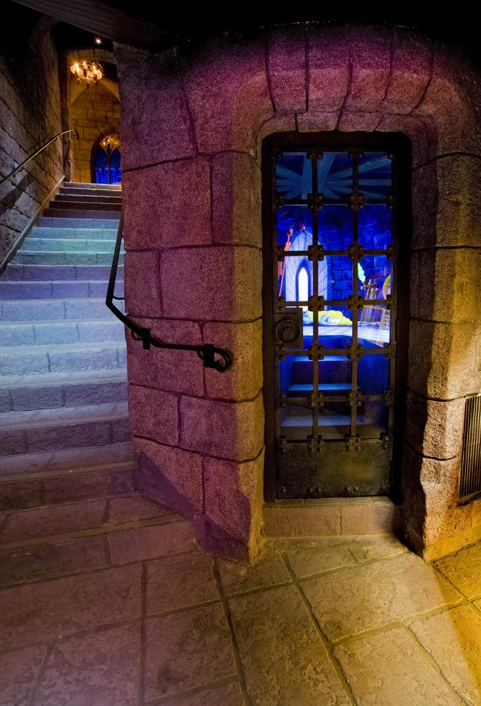 What S Really Inside The Castle At Disneyland Los