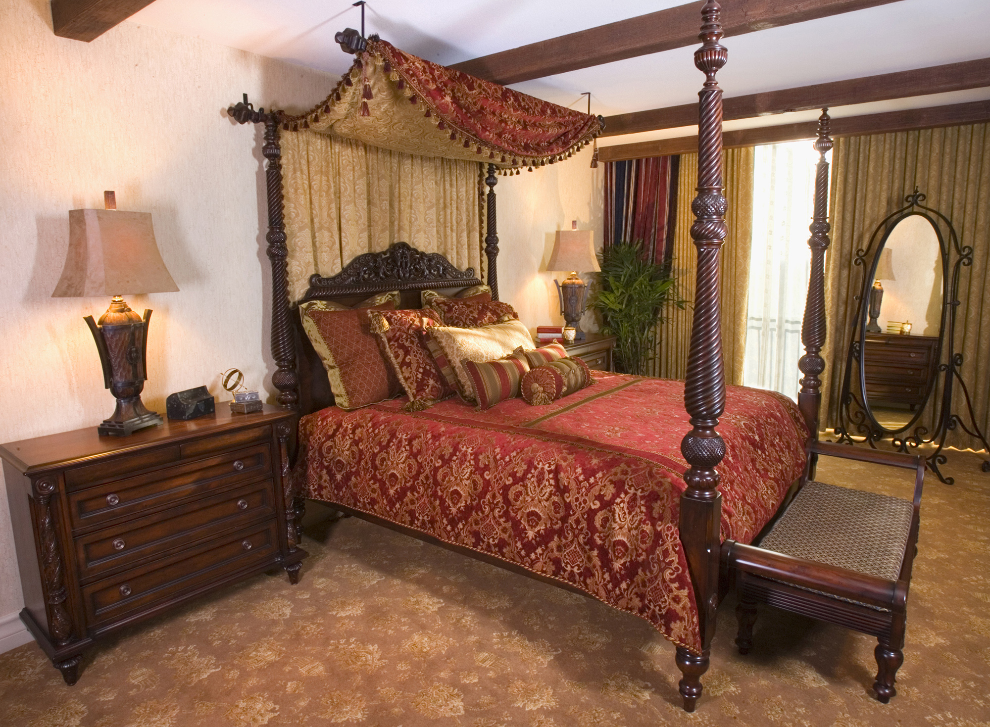 Your Inside Look At Disneyland 39 S Themed Suites For Super Fans Los Angeles Magazine
