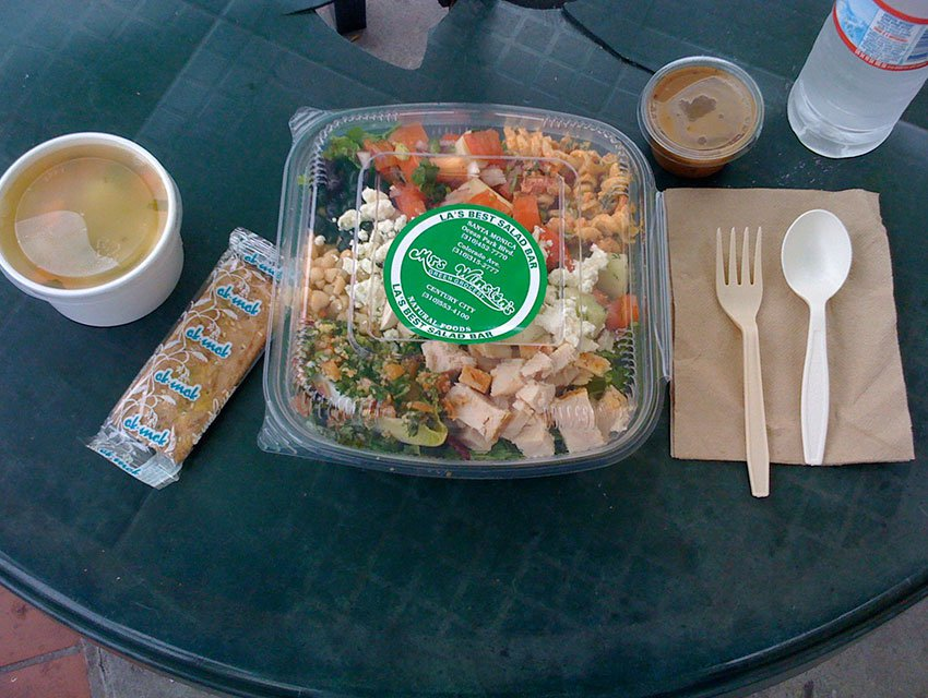 There 39 s a salad bar in santa monica that puts whole foods for Food bar santa monica